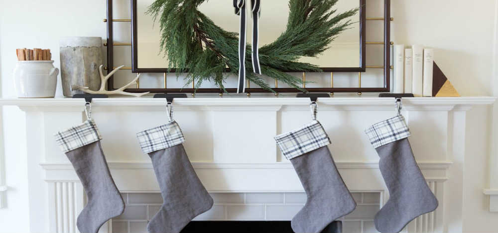 how to decorate for christmas when your house is listed for sale